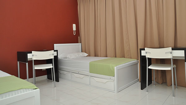 Plaza Berjaya - Triple room (Single Bed, Without Aircond)