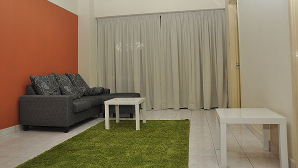 Plaza Berjaya - Triple room (Single Bed, With Aircond)