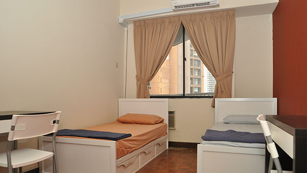 Plaza Berjaya - Twin room (Single Bed, With Aircond)