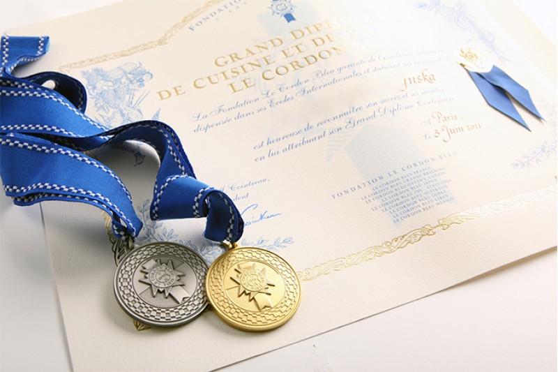 Le Cordon Bleu拥有120多年的教学经验,在美食,酒店业和管理方面拥有扎实的基础和最佳实践,被许多人认为是全球一流的烹饪艺术学院。