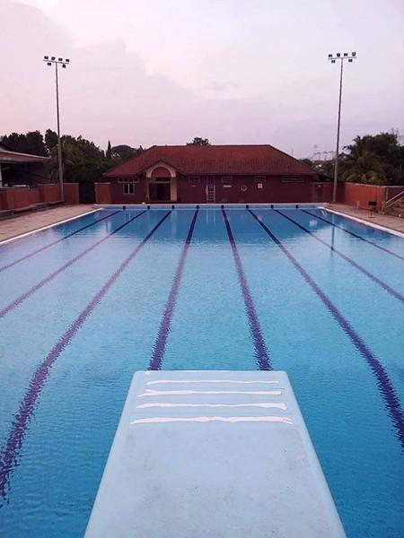 另外,博大有国际性的专属游泳池,其部分时段将分开男女性别而使用。每到特定月份,将举办比赛供学生参加。繁忙的课业也许让人喘不过气来,但学生可偕同好友们到此游泳,放轻身心。入场需缴付RM2,以作为泳池的日常维修费。