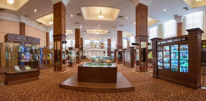沙大也成立一座博物馆,以展示这些年来成就沙大的历史人物所作出的贡献与牺牲,并展示各式宝贵展品和文物,让参观者可从中了解沙大的历史典藏。