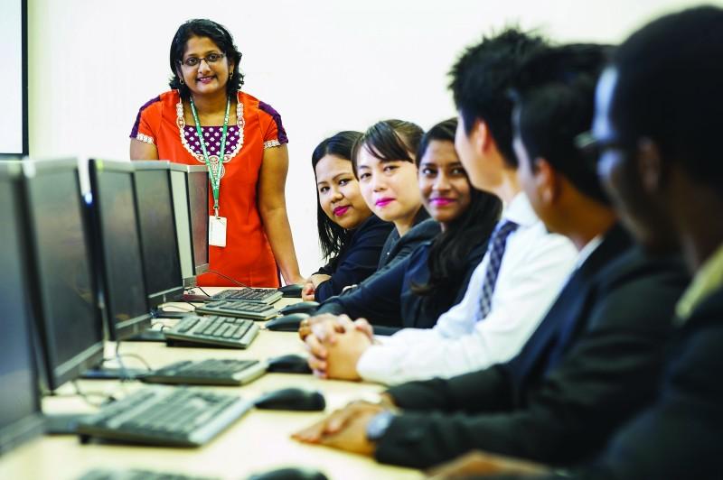 专业的工商管理课程,培养出专业的毕业生。
