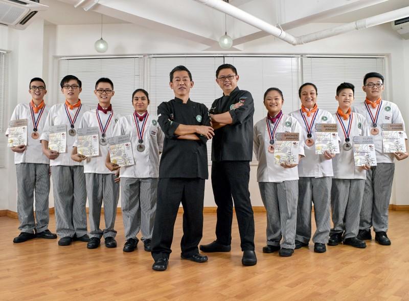 思霖的学生获奖无数,实力备受本地与国际的肯定。