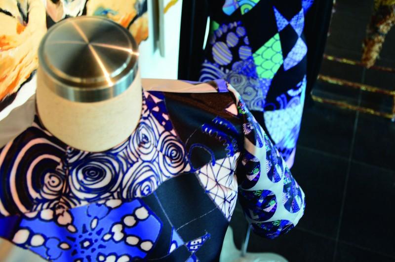 MIA 染织与服装设计课程,让学生了解服装设计理论与市场趋势,强化设计的实用性。