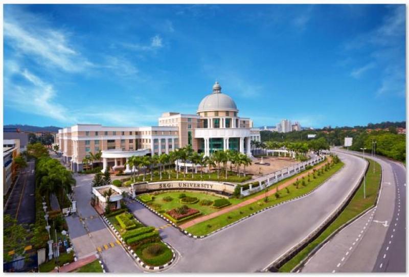 坐落于哥打白沙罗的SEGi总校区是国内首屈一指的教育机构,距离Kota Damansara捷运站仅需数分钟的步行时间。