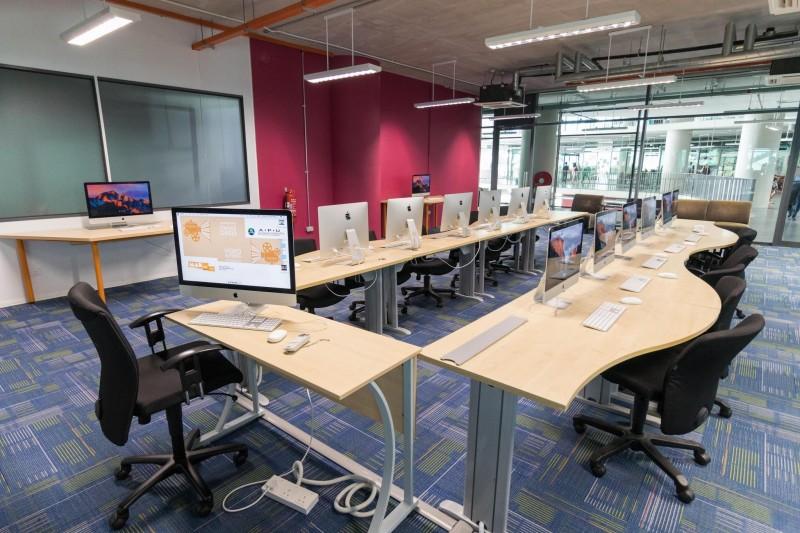 APU 6:APU的课程以科技为核心,结合科技、革新与创意的教育是该大学的特色。