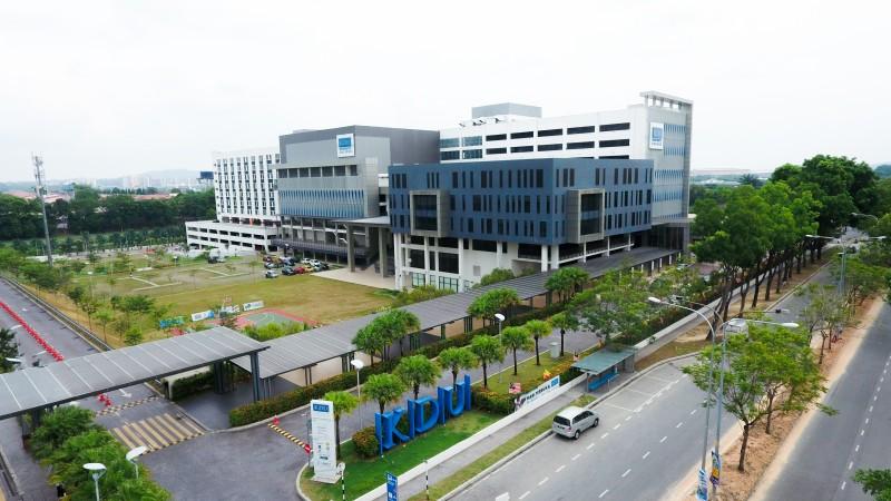 宽敞的伯乐大学学院格林玛丽大学城校区,提供学生优美的学习环境。