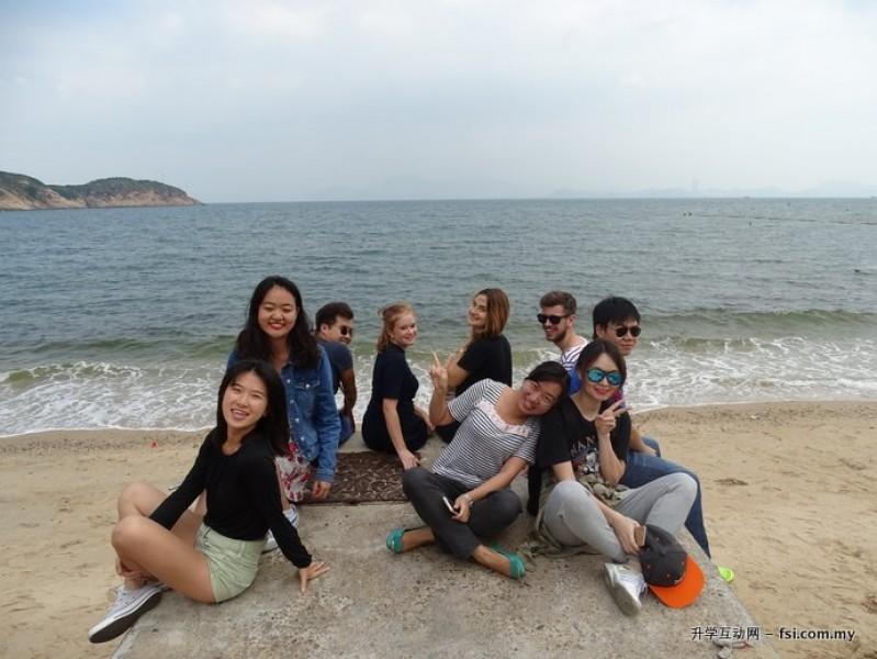 来自世界各地的留学生在课余一同探索香港的风土人情。