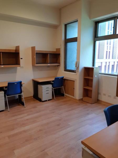 翻新後的房間備感溫馨 每間房間配有衛浴設備 屬套房式宿舍