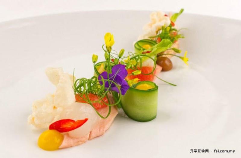 """""""分子料理""""的运用,将新颖的烹饪技巧发挥得淋漓尽致。"""