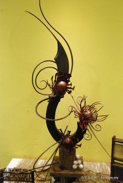 利用巧克力来展现创意的烘培手艺。