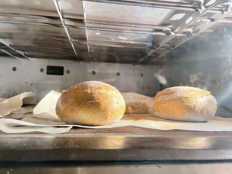 圆滚滚的面包。在烤箱里膨胀的瞬间,简直完美!