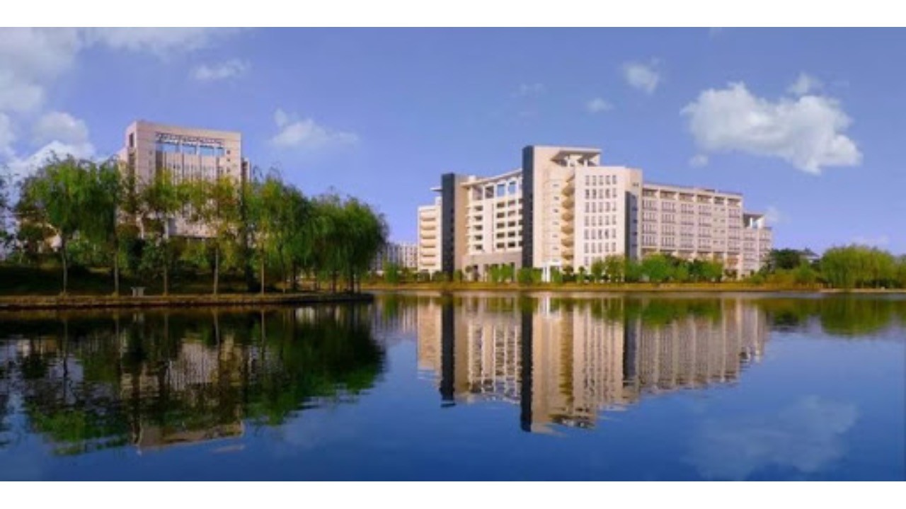WUHAN TECHNICAL COLLEGE OF COMMUNICATIONS