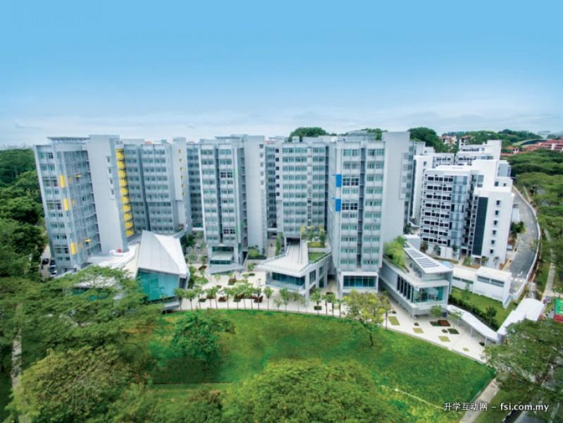 三座新的学生宿舍以热带木材种类的名称命名: Binjai 楼、Tanjong 楼以及Banyan 楼。 它们为学生提供设计极富创意的舒适住所。