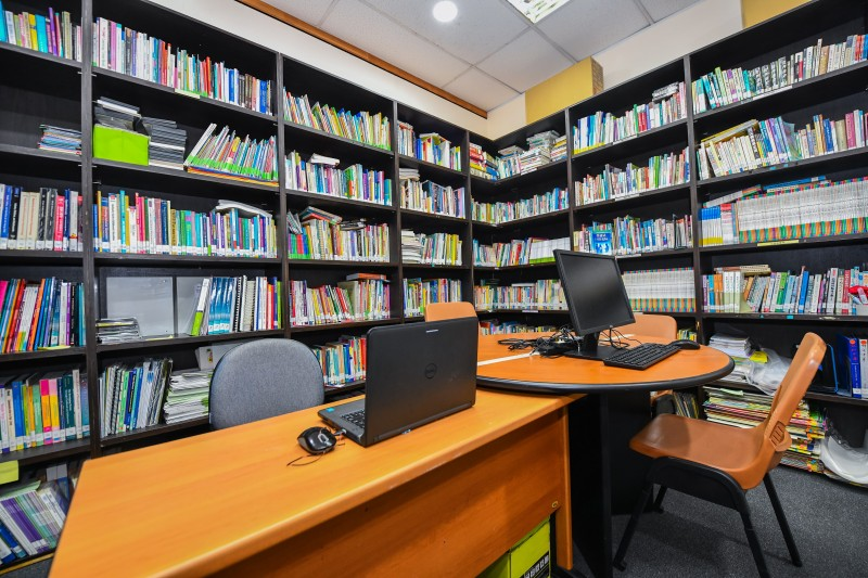 Extensive library resources available for students