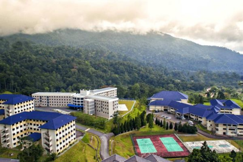 座落在云顶半山腰的高原国际寄宿学校,风景及气候宜人,是完成中学教育的佳地。