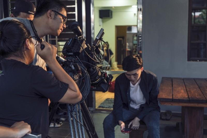 学生在就读期间学习拍摄和体验全方位的影视制作过程