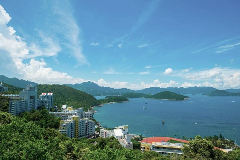 科大依山傍海景色怡人,是亚洲最美大学之一。