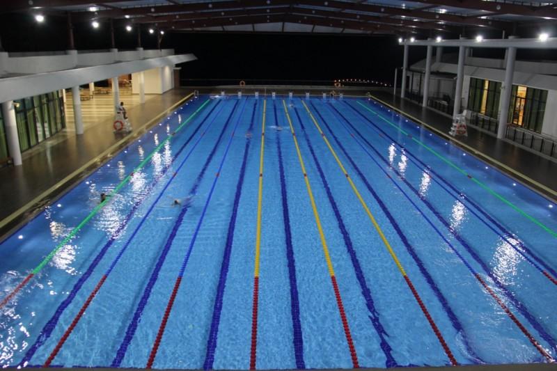 游泳池 2