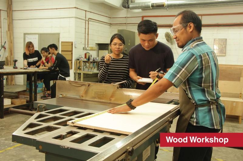设计与建筑环境系学院 美术与设计-木工作坊 由经验丰富的技职导师指导并辅助学生完成各类木制作品 确保学生的安全与健康是首要