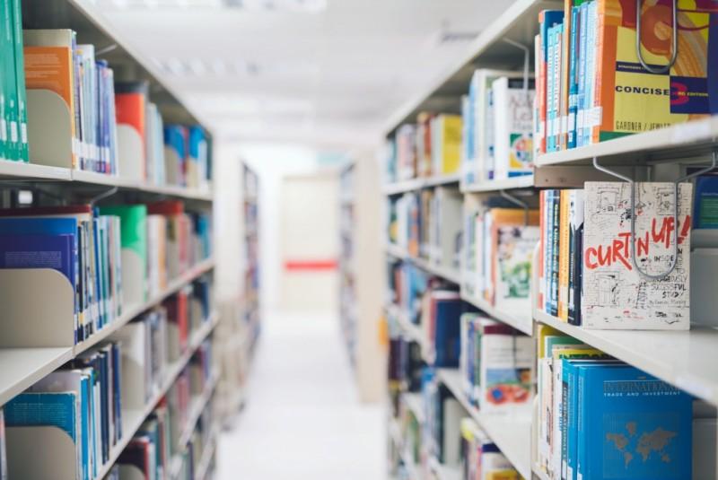 万达大学学院在培养高就业率的毕业生,企业家和获奖者有着出色的记录。 除了自己的荣誉学位,文凭和大学预科课程外,万达大学学院还通过其合作的国际合作伙伴提供外部认可并获得马来西亚资格认证机构(MQA)和相关专业机构的认可,譬如马来西亚工程师委员会(BEM);与工业需求相关,它们专为提高毕业生的就业能力而设;由高素质的专业讲师团队,他们具备一系列教学和行业经验;并配备了最先进的设施,如电子学习门户,计算机实验室,图书馆,电子图书馆设施和电子数据库。