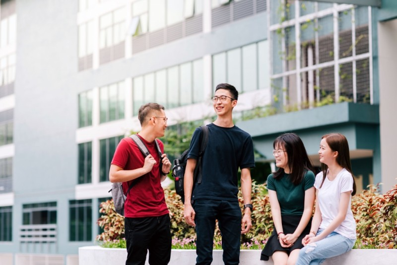 万达大学学院被公认为首屈一指的高等教育学院,是来自世界各地学生的首选教育地。 目前,本校国际学生来自30多个国家,为校园内充满活力的全球社区环境做出贡献。 我们为国际学生提供的服务和支持:在吉隆坡国际机场的移民柜台迎接;免费转移到万达大学学院/万达大学学院宿舍;免费拨打电话回家告知家人您以安全抵达校园;抵达后免费用餐;抵达吉隆坡后7天内进行马来西亚政府规定的全面体检/健康检查的安排;提交护照签发学生签证;提交随后续签的申请和安排医疗保限;免费个人意外保险。
