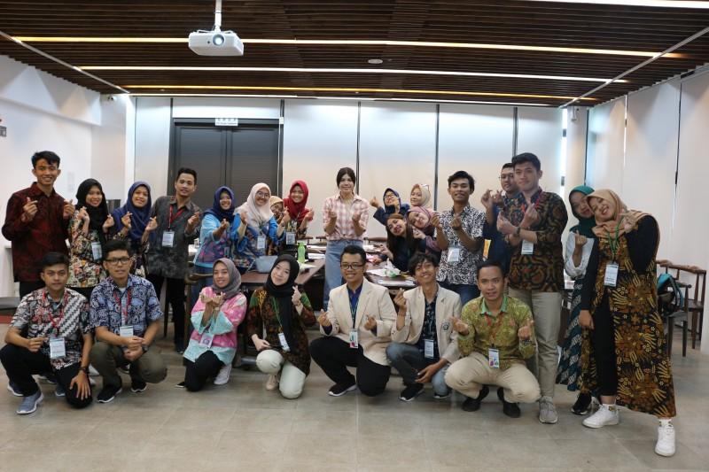 学校举办国际学生文化交流活动 。