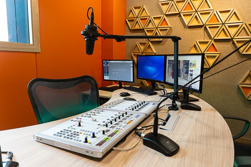Radio conti for communications student