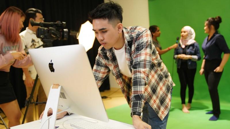 各种设备提供给学生进行拍摄和录制学习。