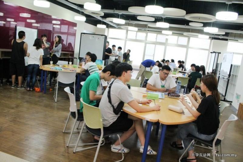 国立高雄第一科技大学于2010年转型为国内第一所创业型大学,培育学生具备创新的特质及拥有热忱、投入与分享的创业家精神。