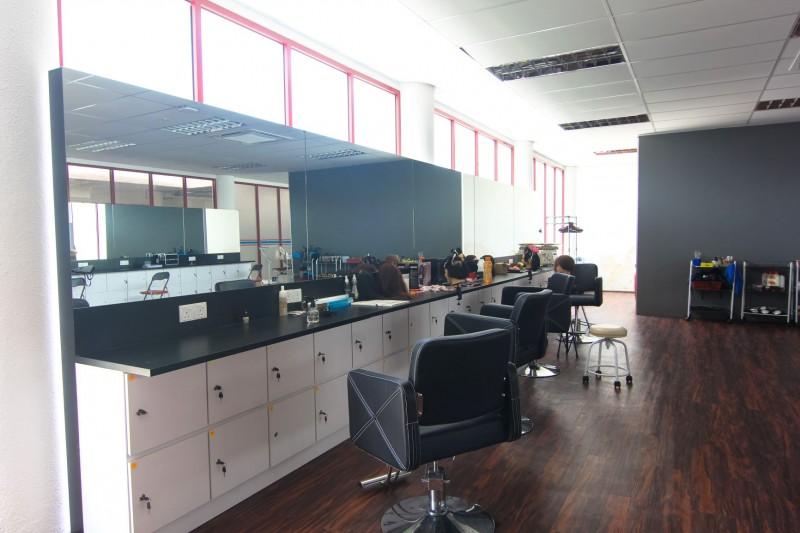 南方技职学院美发与发型设计专用课室