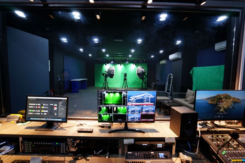 Professional Studio.