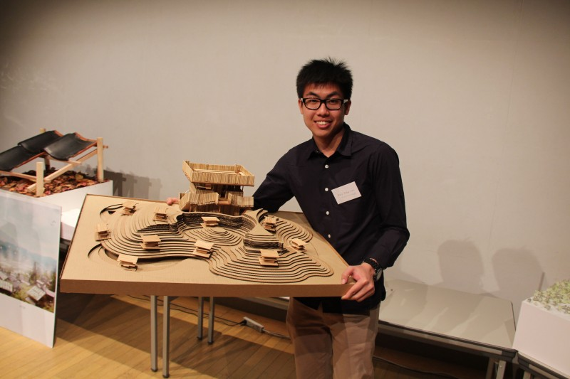 IUKL provides a competition platform for students to participate in domestic and foreign competitions. The picture shows that in 2014, Mei Yingyan, who attended the Bachelor of Architecture in IUKL, won the third place in the 16th International Architectural Design Competition in Tokyo, Japan.