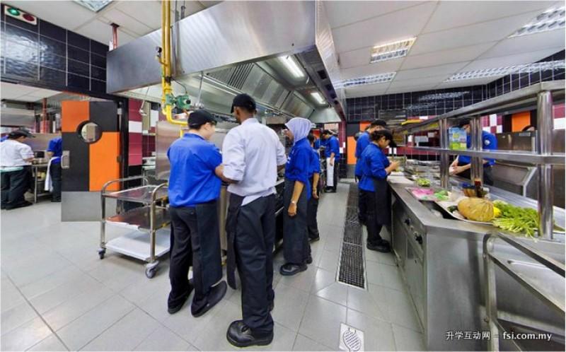 明亮宽敞的实验型厨房,让学生同时掌握知识和实务工作经验。