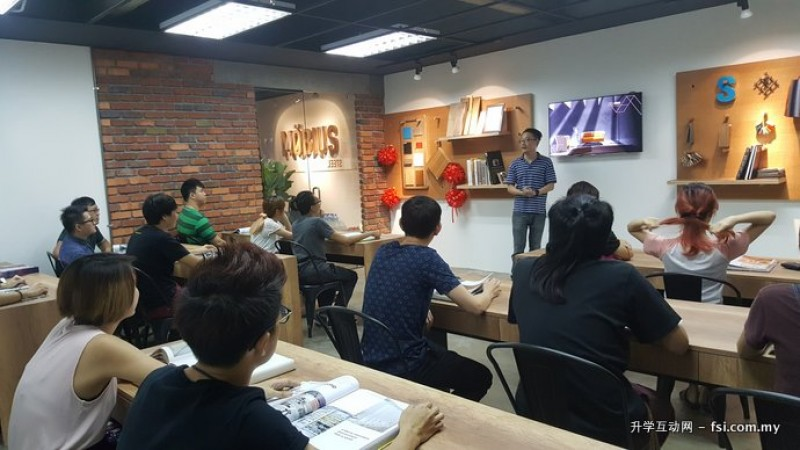 Mobius学院采取小班制教学,因此导师可更深入了解每个学员的能力,再提供个别指导。