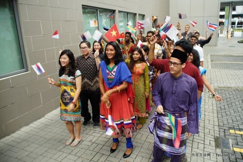 在马来西亚蒙纳士大学就读,学生可体验国际教育以及多元文化的社会。