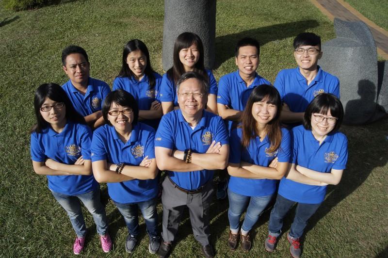 中兴大学「农获新生」团队,由台湾、泰国、越南、菲律宾四国17位学生组成,开发微奈米植物保护制剂,参与教育部大专毕业生创业服务计划(U-start),获得创业基金成立公司。