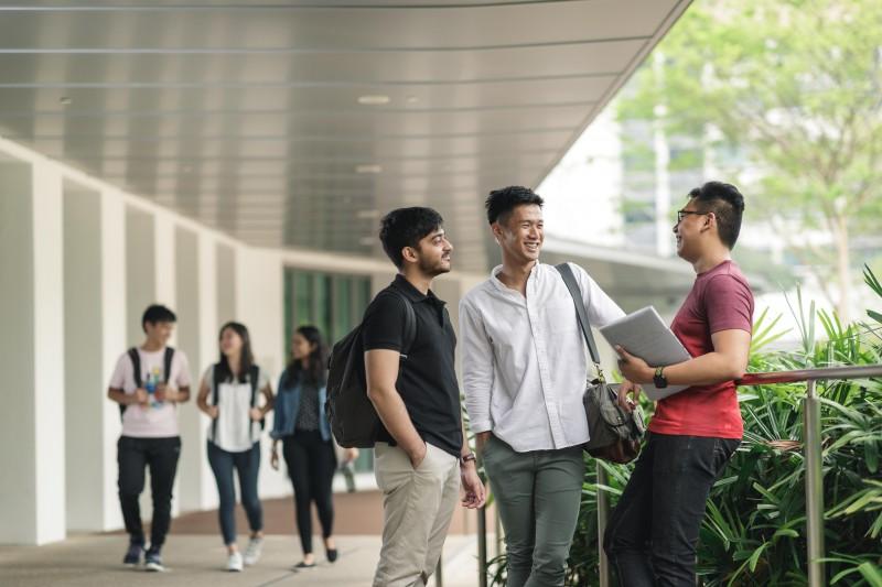 新加坡国立大学的校舍舒适便利,是交友、学习与参与课外活动的最佳环境。