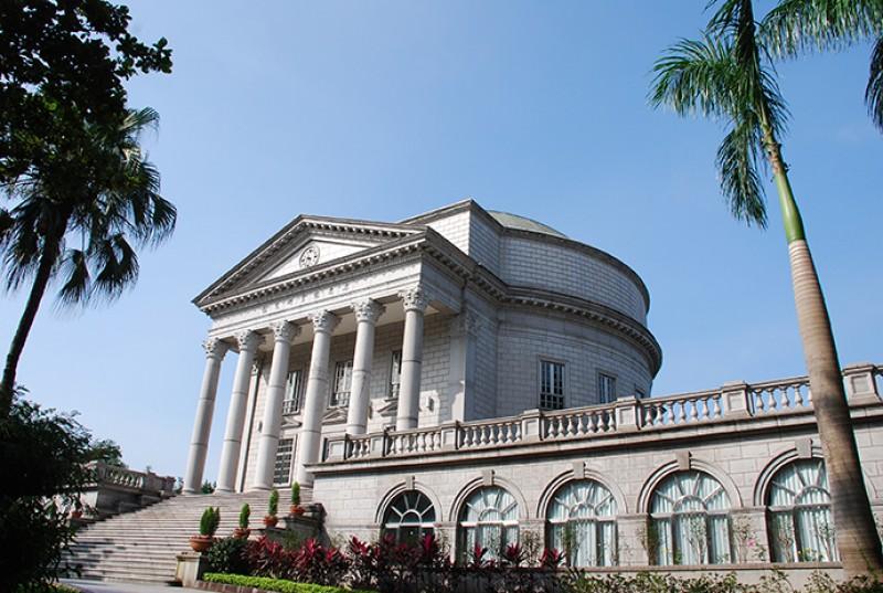 大同大学设于台北市的校园庄严优雅,设备齐全,交通方便。