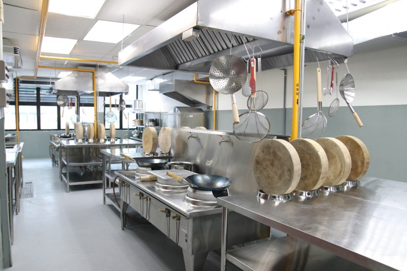 Oriental Culinary Academy has a well-equipped kitchen facility that allows students to have a spacious environment for their learning & development.