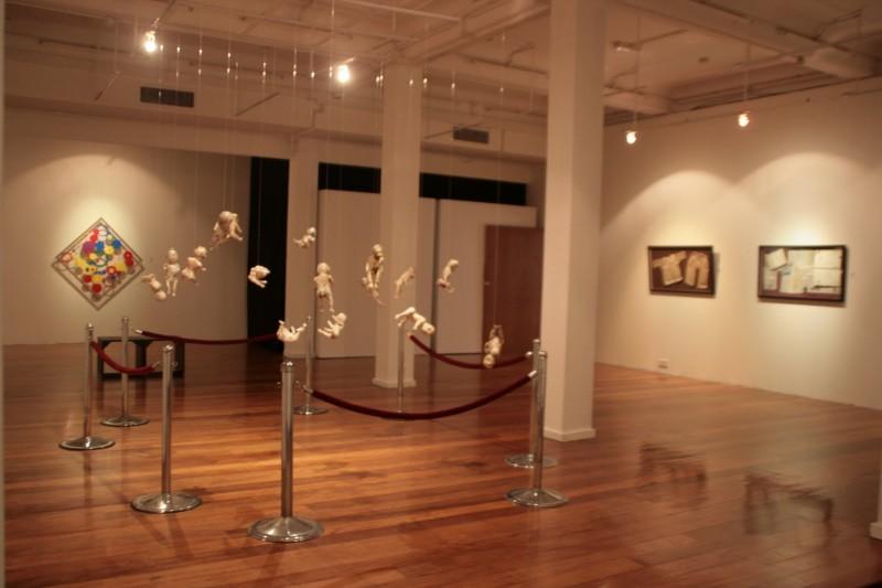 这是一座结合博物馆与艺术画廊的建筑物,成立于1971年,及至1982年才开放给大众参观。博物馆内展示着马来西亚各考古学地点、开采石油矿物、宇宙探索、生物学以及各种族传统乐器等方面的资料。学生可以免费参观,而普通的成人入门票则只须RM2而已。